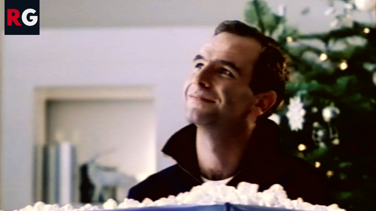 Thorntons Advert with Robson Green as the unwanted Christmas present